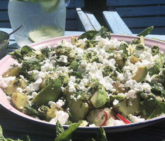 Ruokaisia kesäsalaatti